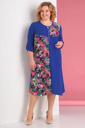 Синее трикотажное платье с круглым вырезом